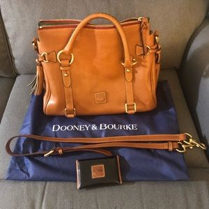 Dooney and Bourke Florentine Satchel w Cardholder.